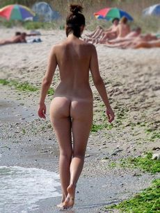 Awesome round ass on the beach