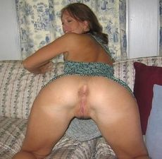Sexy MILF with her shaved pussy..